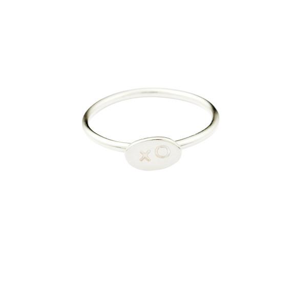 Silver xo ring