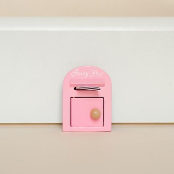 Fairy post box pink