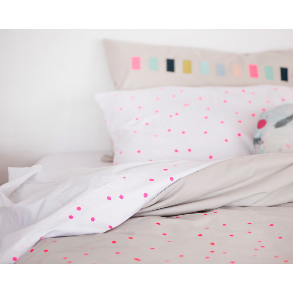 Fluro Pink on grey organic cotton doona with sprinkle flat sheet