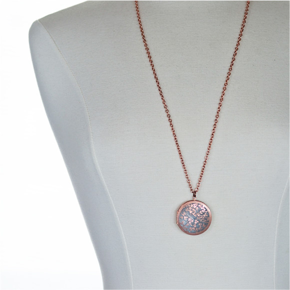 Example of 38mm size locket on 80cm chain