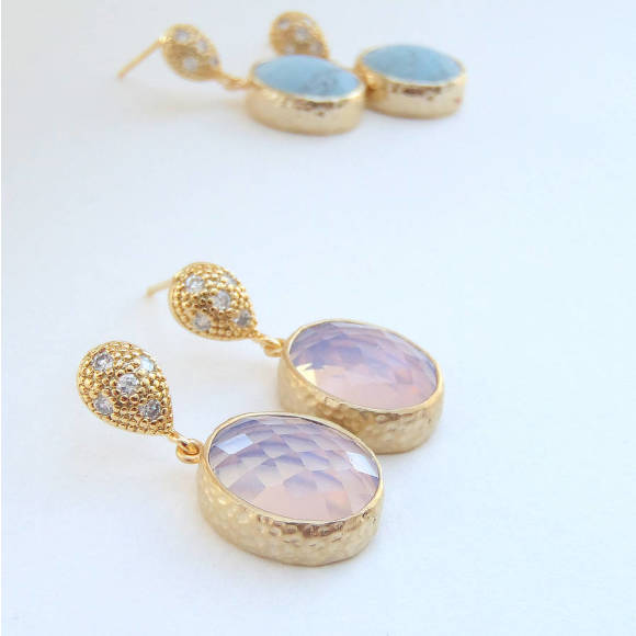 Oval Faceted Glass Gold Earrings Violet