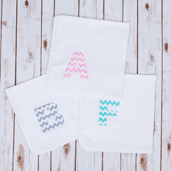 Baby blanket with mint, pink or grey