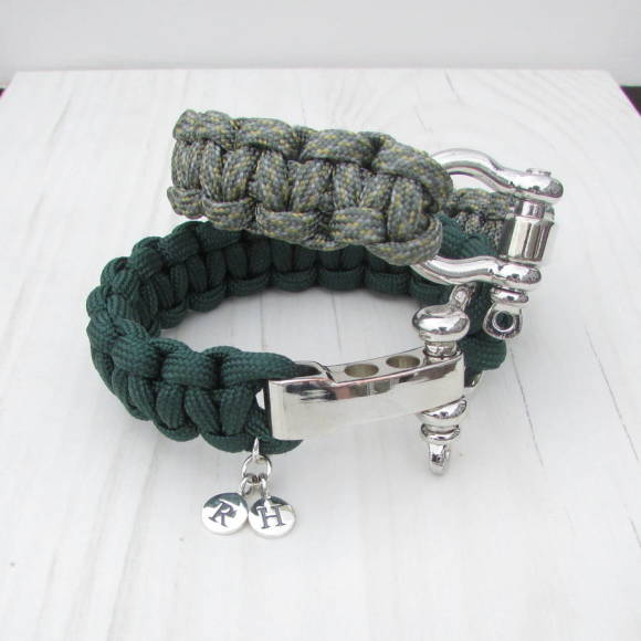 Personalised paracord bracelet