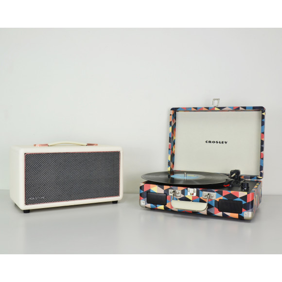 White - with FREE Crosley Cruiser 2 Triangle