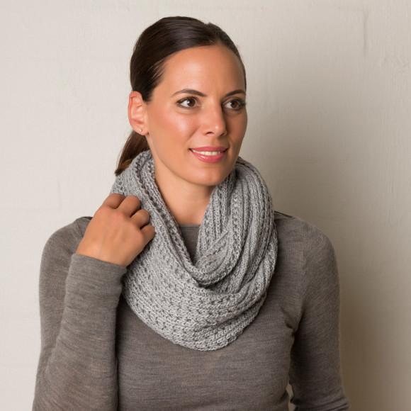 Knit panel loop in Grey