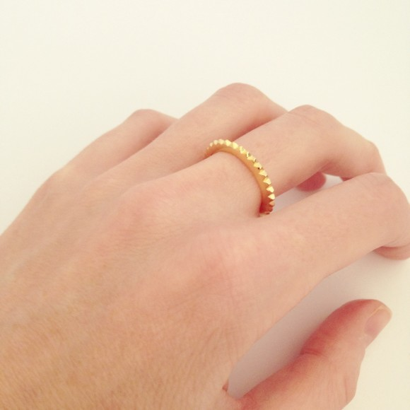 stud eternity ring