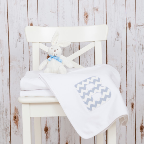 Baby blanket with custom applique