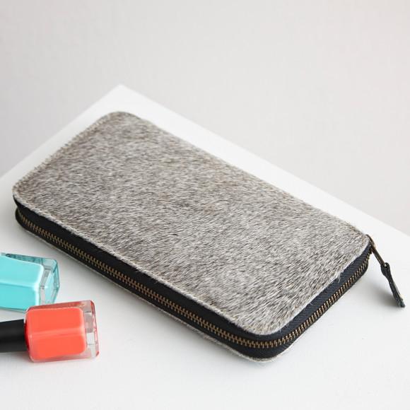 Closed purse grey