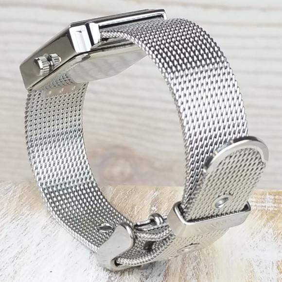 Beautiful bracelet with design details