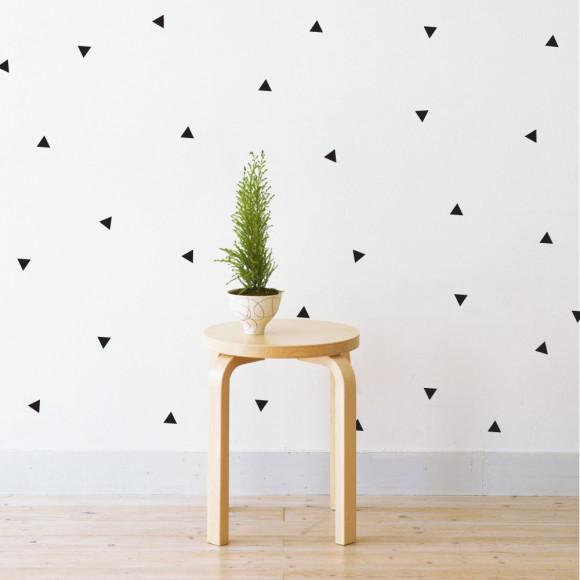 Mini Triangles in Black