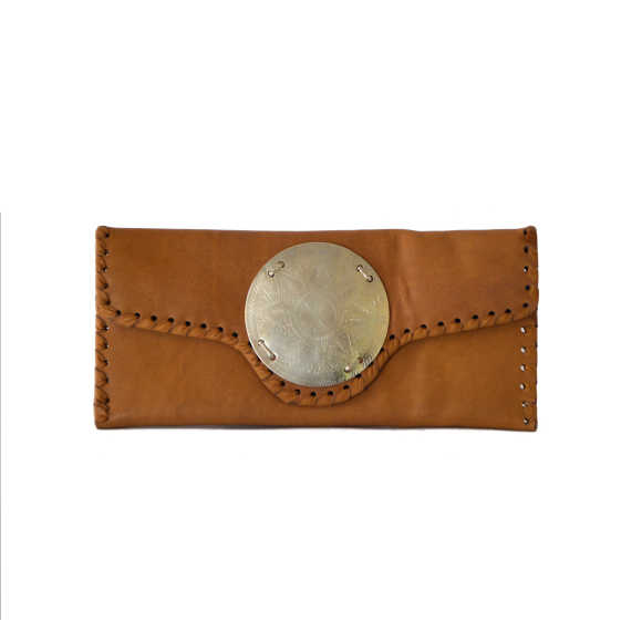 Zahra clutch tan