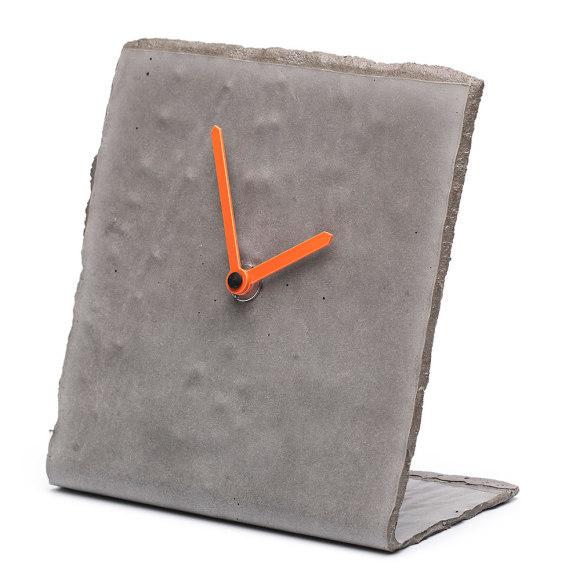 Concrete desk clock