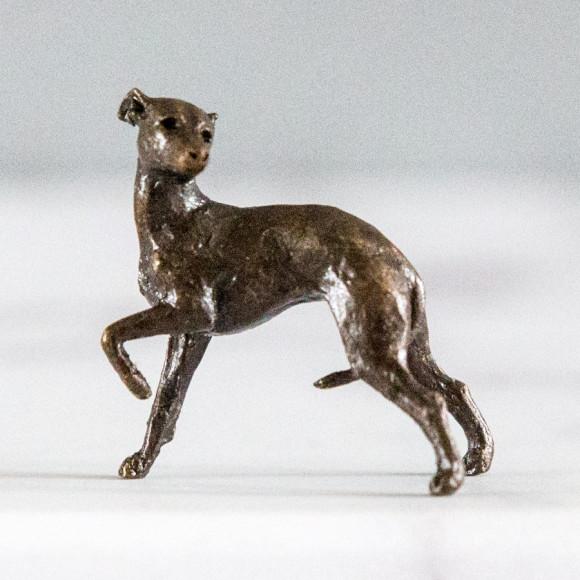 bronze whippet detail