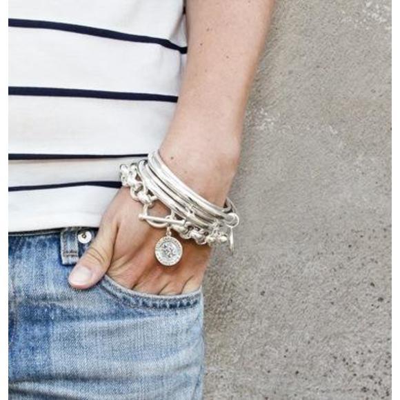 Thin bangle