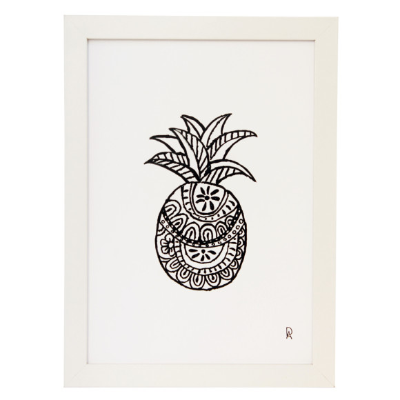 Black and White Pineapple Design 1