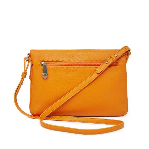 Anais Orange back