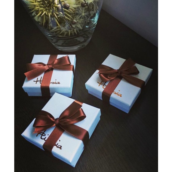 Hissia free gift packaging