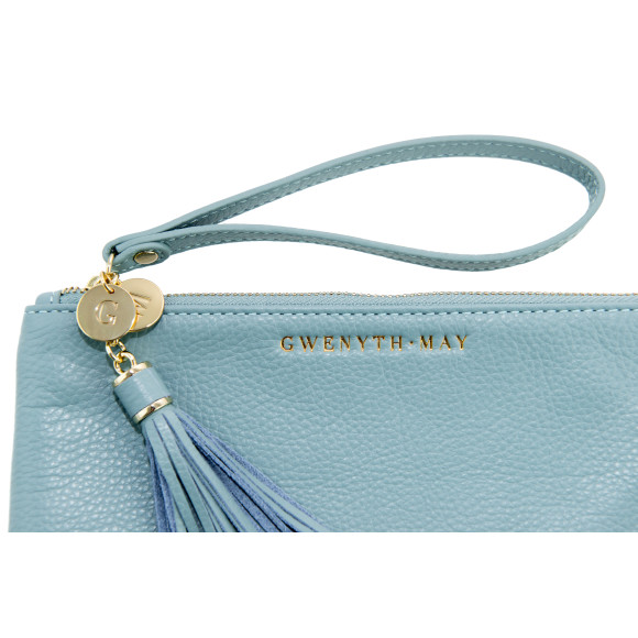 The Mia pouch in light blue