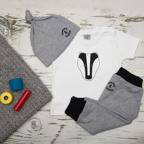 tommy & lottie British Badger three piece baby gift set