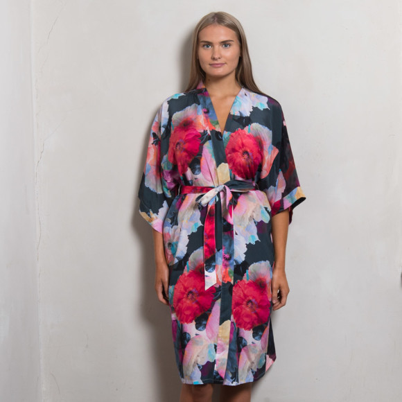 Dark Poppy Silk Dressing Gown | hardtofind.
