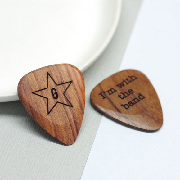 star and initial plectrum