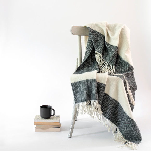 Fringed Merino Wool Throw Rug in Charcoal & Natural