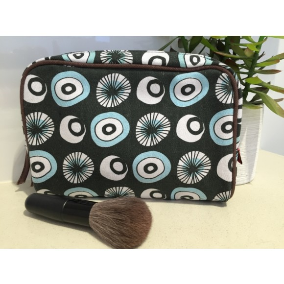 Tamelia Seed Make Up Bag