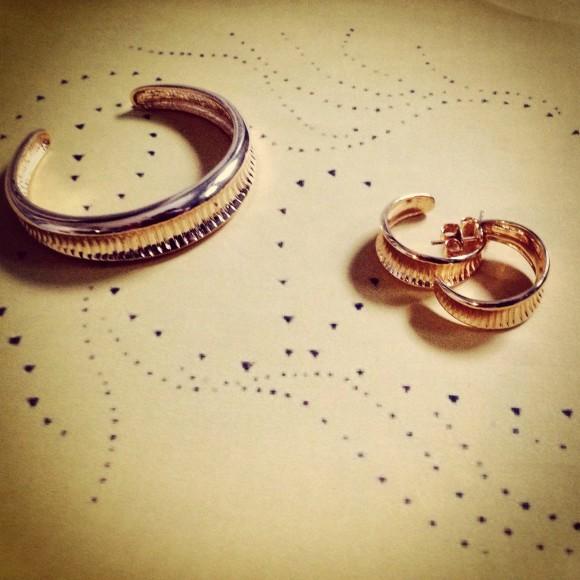 Hissia Oni bangle and hoop earrings