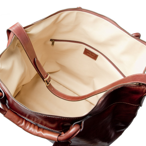 Chestnut brown leather travel bag