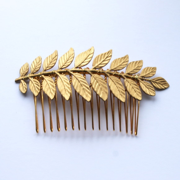 The Maia leaf haircomb