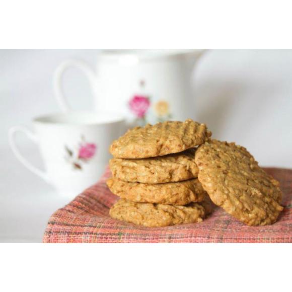 White choc sesame & sunflower spelt cookie
