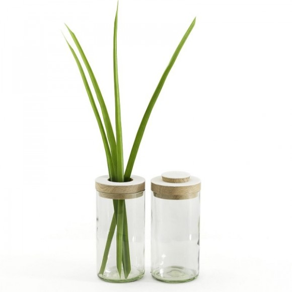 Clear vase and jar