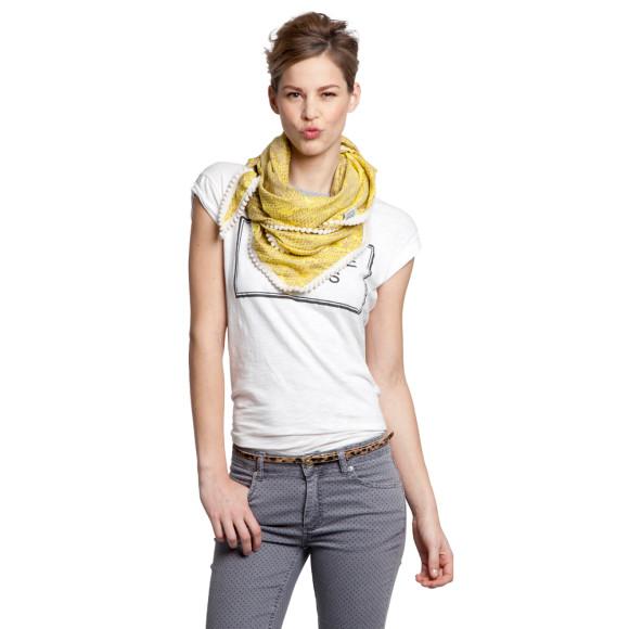 Mellow yellow scarf