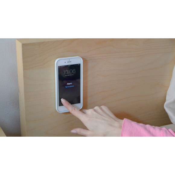 iPhone / Samsung Galaxy Anti-Gravity Case