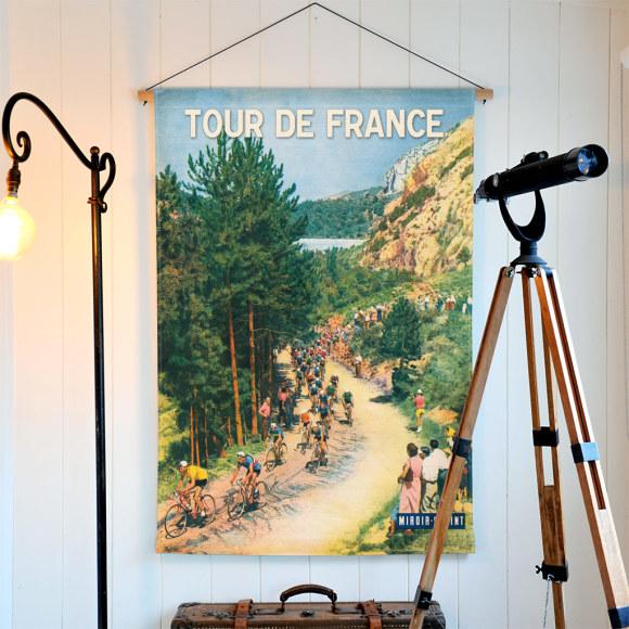 Tour de France 100% European linen hanging.