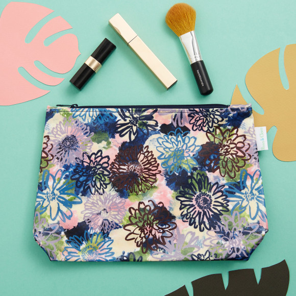 Medium Flora toiletry bag