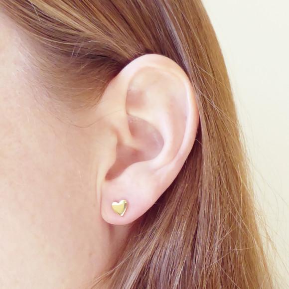 heart stud earrings model