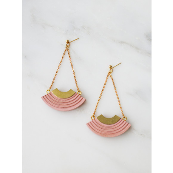 Curve Earrings - Pale Pink