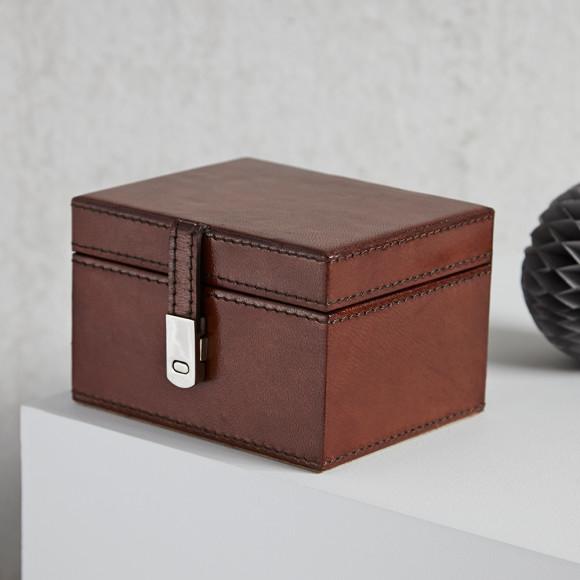 stud box vintage brown