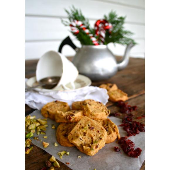 Cranberry & pistachio shortbread