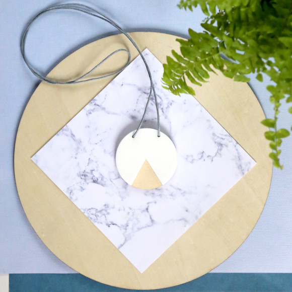 Geo circle necklace in white & ply