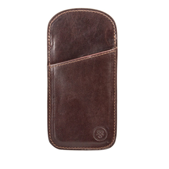 The Rufeno glasses case in dark chocolate brown.