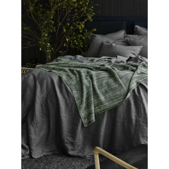 Soft organic cotton throw/blanket