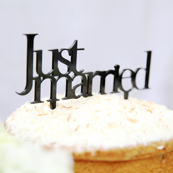 Minimal Wedding Cake Topper
