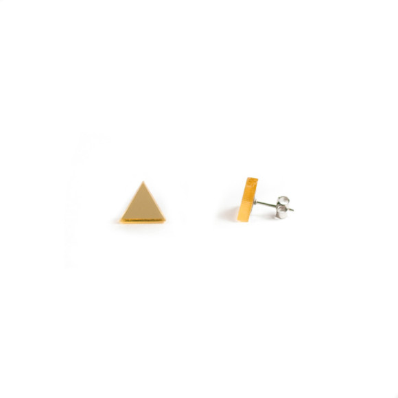 GEO - Triangle Earring Studs in gold mirror