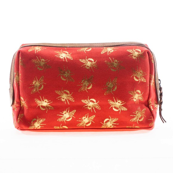 Suki wash bag back shot in coral