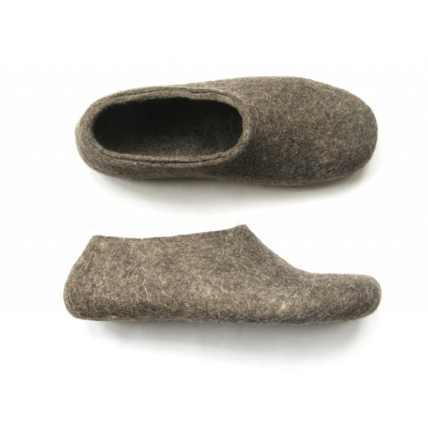 fd262f5da3d842 Women s felt slippers in natural brown   grey
