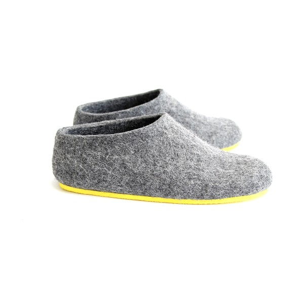 a5a6970a9262dc Women's Handmade Wool Slippers in Nordic | hardtofind.