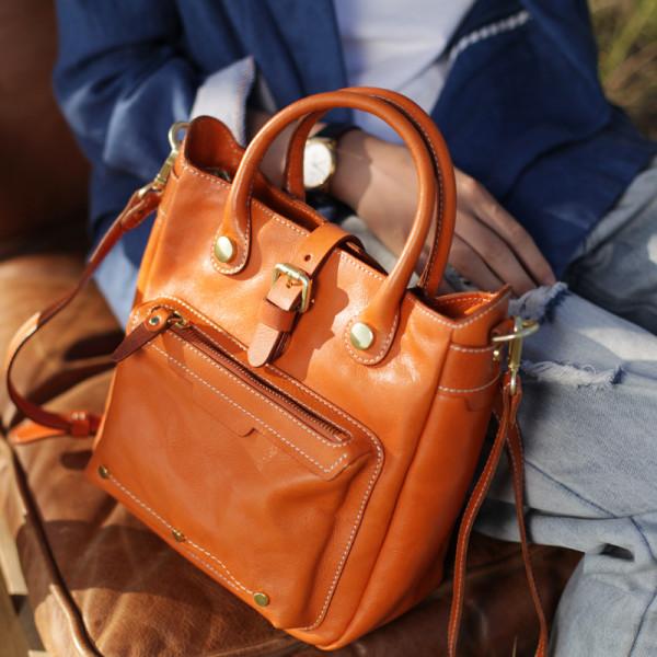 7d6bd165a92878 Vintage Style Leather Shoulder Bag In Green/Brown | hardtofind.