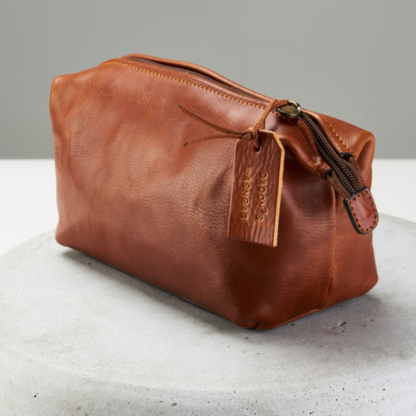 Personalised Genuine Leather Washbag  01823679a54ac